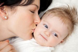 Парични обезщетения за майчинство